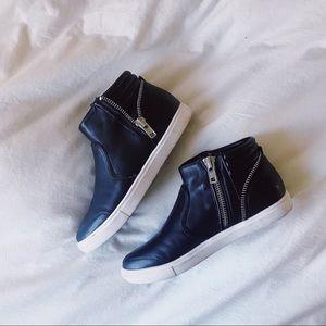 53b7a1b808022 BP High Top Sneakers